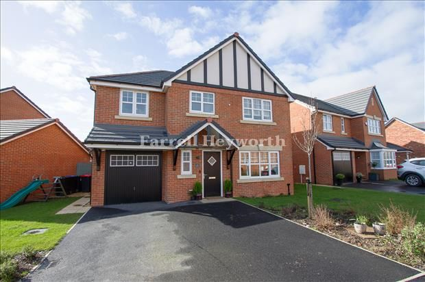 4 bed property for sale in Seedling Place, Preston PR3