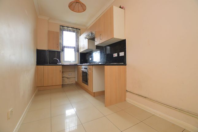 2 bed flat to rent in Arthur Road, Cliftonville, Margate CT9