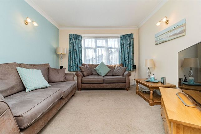 Living Room of Wilmar Close, Hayes, Middlesex UB4