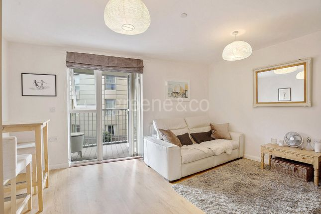 Thumbnail Property for sale in Queensland Road, London