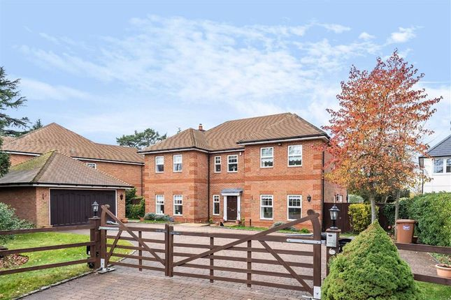 Thumbnail Detached house for sale in Hanyards Lane, Cuffley, Hertfordshire