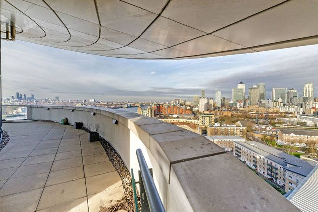 Thumbnail Flat to rent in Orion Point, Isle Of Dogs