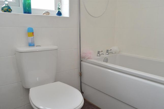 Bathroom of Simkin Way, Bardsley, Oldham OL8