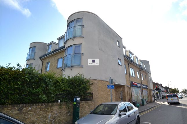 1 bed flat to rent in Harwoods Road, Watford