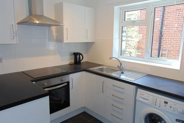 Thumbnail Flat to rent in Cavendish Road, Barnsley