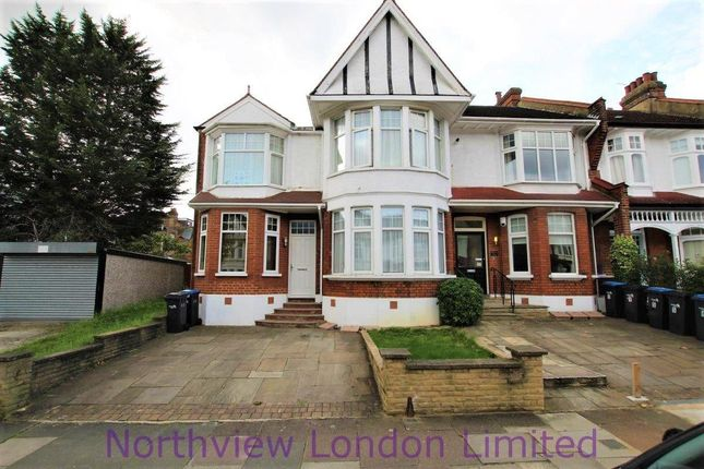 1 bed flat for sale in Caversham Avenue, London N13