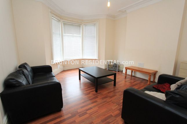 Terraced house to rent in Simonside Terrace, Heaton