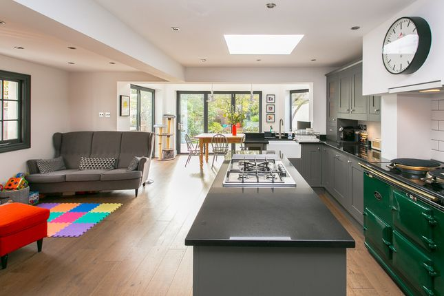 Thumbnail Semi-detached house for sale in Sunnyhill Road, London