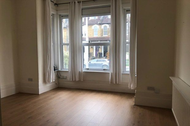 Flat to rent in Clarendon Road, London