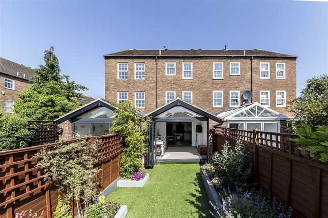 Thumbnail Property for sale in Park Crescent, Twickenham