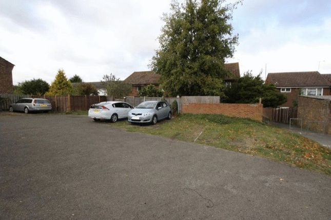 Thumbnail Property for sale in Brambledown, Hartley