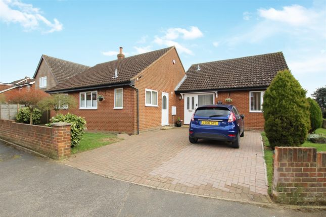 Thumbnail Bungalow for sale in Moorlands Road, Wing, Leighton Buzzard