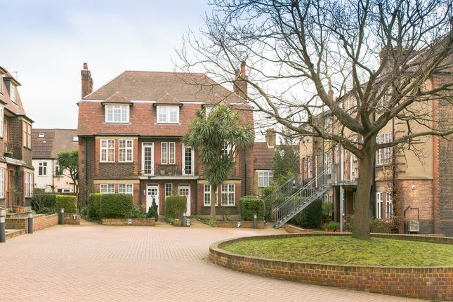 3 bed flat for sale in Park Hill Court, Beeches Road, Tooting