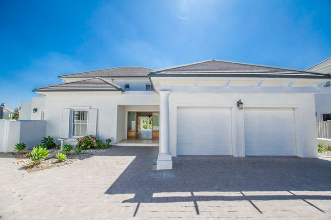 Detached house for sale in Guyot Oval Road, Val De Vie Estate, Paarl, Cape Winelands, Western Cape, South Africa