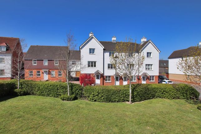 Thumbnail Terraced house for sale in The Farriers, Edenbridge