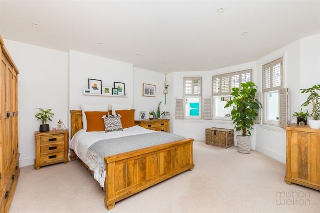 Thumbnail Flat for sale in Tisbury Road, Hove