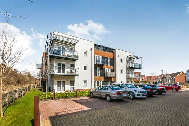 Thumbnail Flat for sale in The Kilns, Redhill
