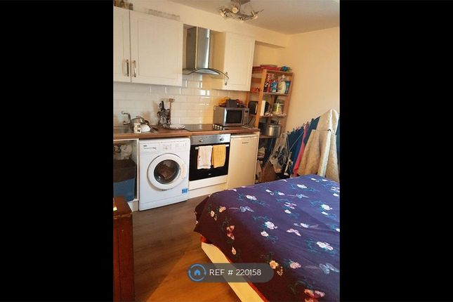 Studio to rent in Cranfield Close, West Norwood