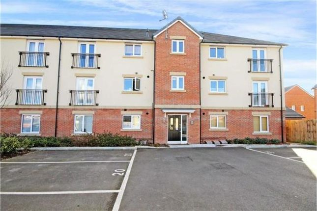 Flat for sale in Collingwood Crescent, Swindon