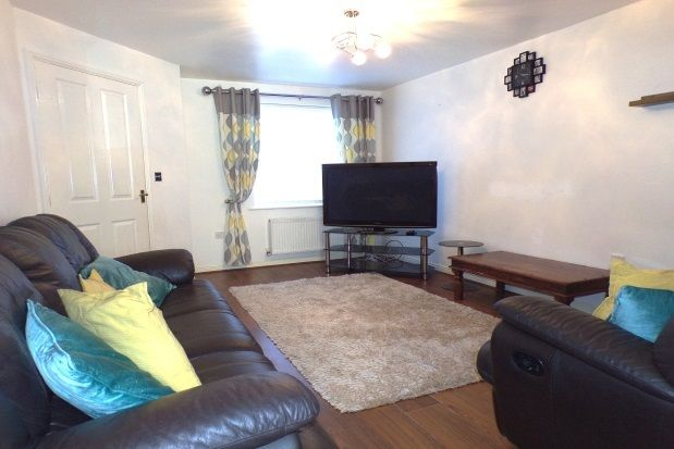 3 bed semi-detached house to rent in Ridgewood Close, Darlington