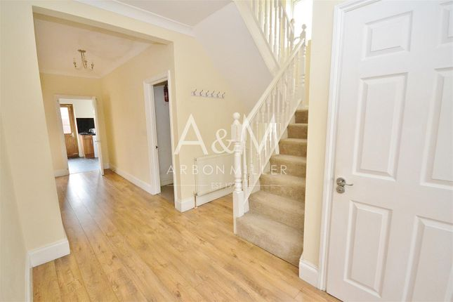Thumbnail Semi-detached house to rent in Newton Road, Chigwell