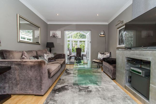 Thumbnail Terraced house for sale in Kings Mews, Chigwell