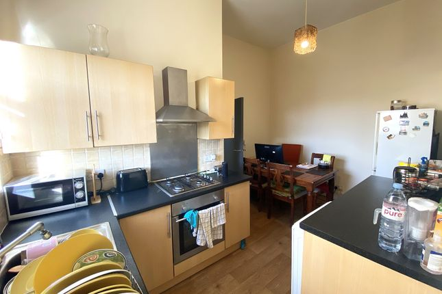 2 bed flat to rent in Queens Road, Portsmouth PO2