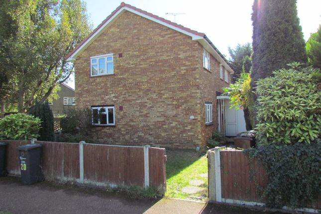 Thumbnail Maisonette to rent in Beansland Grove, Chadwell Heath, Romford