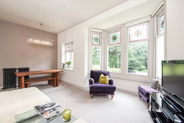 Thumbnail Flat for sale in Clairview Road, London