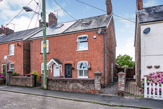 Thumbnail Semi-detached house for sale in Malthouse Road, Crawley