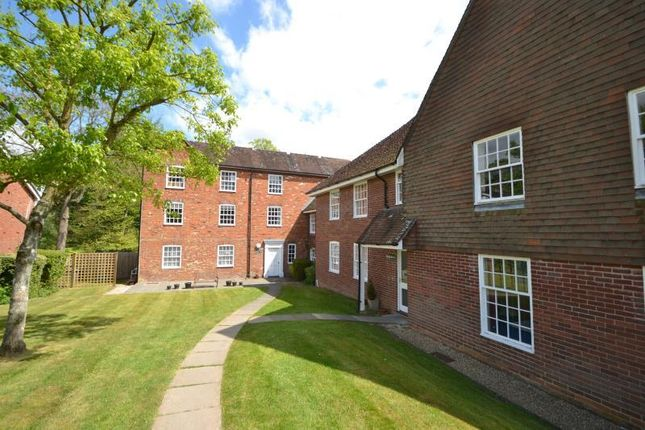 1 bed flat to rent in Clatford Manor House, Andover SP11