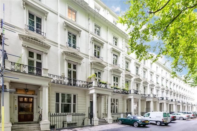 Parking/garage to rent in Westbourne Terrace, London