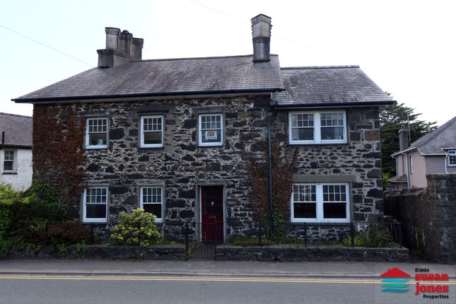Thumbnail Detached house for sale in Ala Road, Pwllheli
