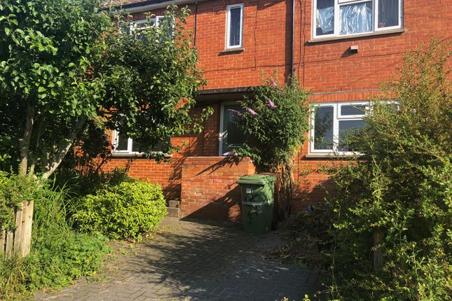 2 bed flat to rent in Tor View Avenue, Glastonbury BA6