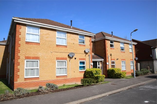 Thumbnail Flat to rent in Blunden Drive, Langley, Berkshire
