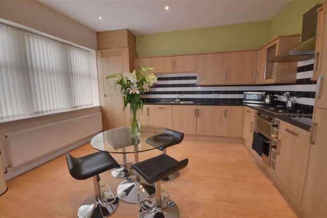 2 bed flat to rent in High Street, South Milford LS25