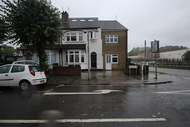 Thumbnail Property to rent in Woodville Gardens, London