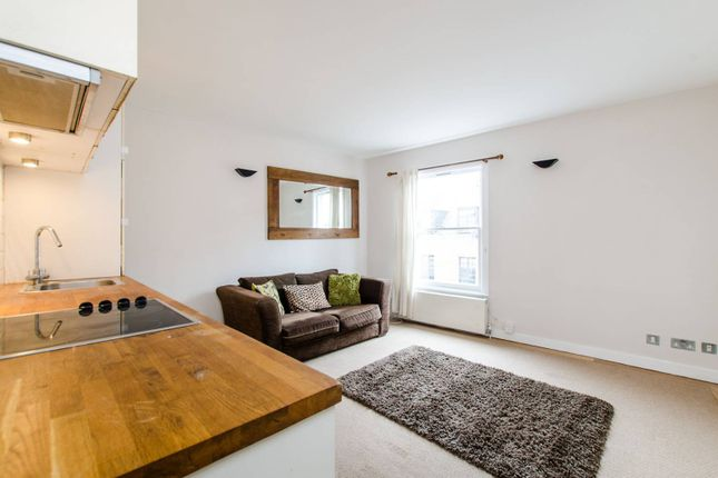 Thumbnail Flat to rent in Fernlea Road, Balham