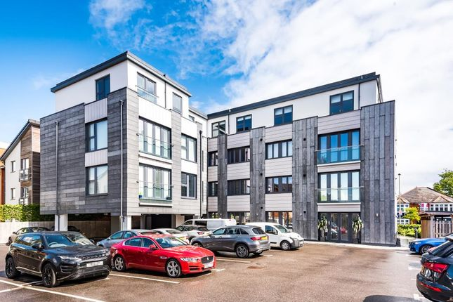 2 bed flat for sale in Fleet, Hampshire GU51