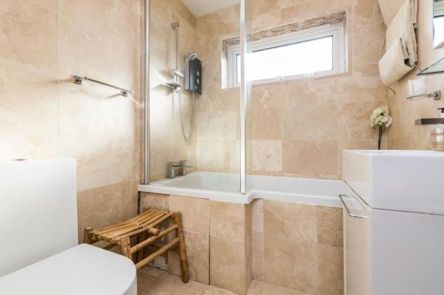 Bathroom of Lee Close, Warwick CV34