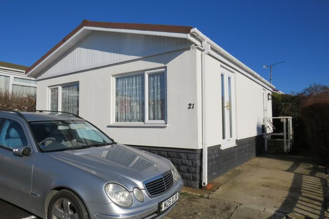 Thumbnail Mobile/park home for sale in Centre Rise, Horspath, Oxford