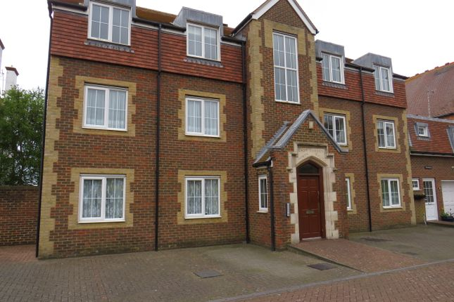 Thumbnail Flat to rent in 28 Cantelupe Road, Bexhill On Sea