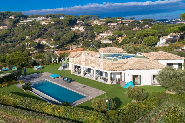 Thumbnail Villa for sale in Sainte-Maxime, 83120, France