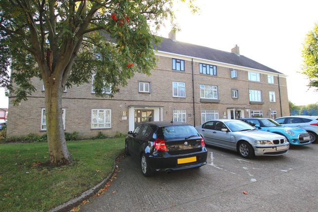 Thumbnail Flat for sale in Heaths Close, Enfield