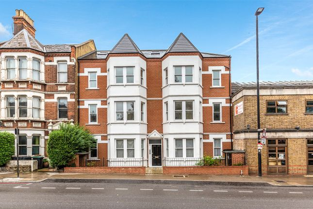Thumbnail Flat to rent in Gatewood House, 274-276 Archway Road, London