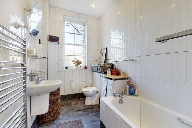 Flat to rent in Canonbury Lane, Canonbury