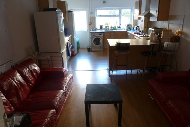 Thumbnail Flat to rent in Salisbury Road, Cathays, ( 6 Bed Flatshare )