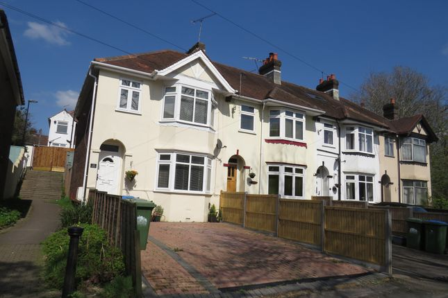 Thumbnail End terrace house for sale in Lakelands Drive, Southampton