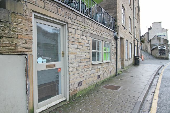 Commercial property to let in Hollowgate, Holmfirth
