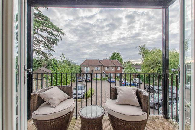 Thumbnail Flat for sale in The Ridgeway, Enfield
